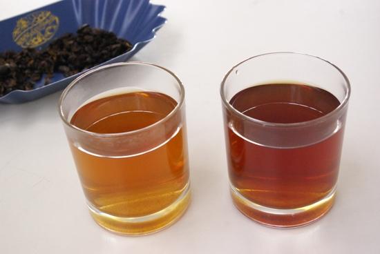 Čaj z Cascary - barva nápoje se liší podle zvolené odrůdy