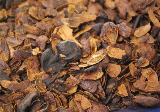 cascara po zpracování kávy suchou metodou